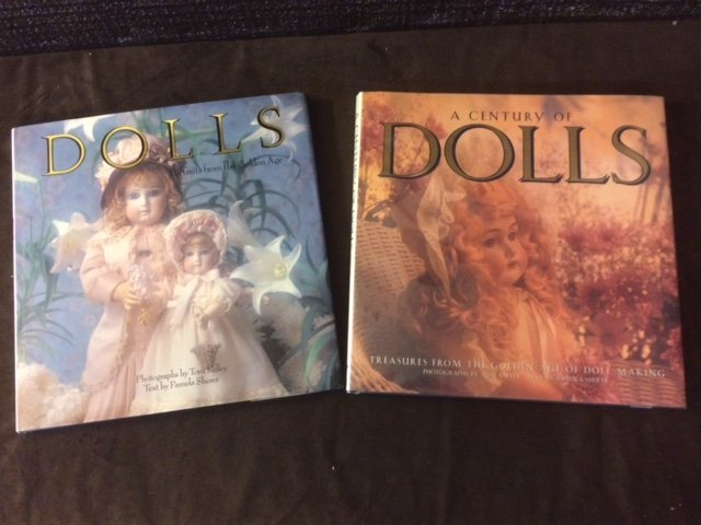 PICTORIAL VIEW of the GOLDEN AGE of DOLLS ~LOT OF 2 ~