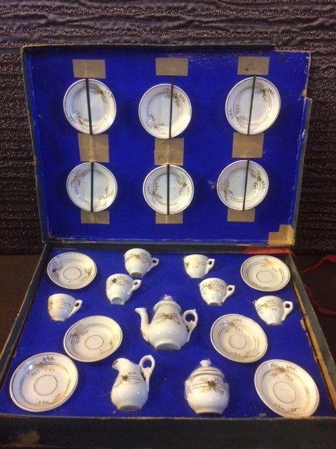 ANTIQUE FRENCH CHILD'S TEA SET ~ ORIGINAL BOX ~