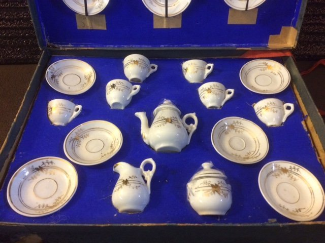 ANTIQUE FRENCH CHILD'S TEA SET ~ ORIGINAL BOX ~ - 2