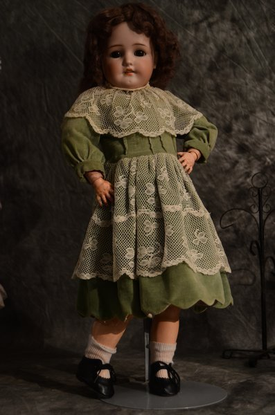 CHARMING ANTIQUE BISQUE DOLL ~ GERMAN ~ 550