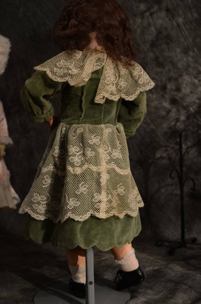 CHARMING ANTIQUE BISQUE DOLL ~ GERMAN ~ 550 - 3