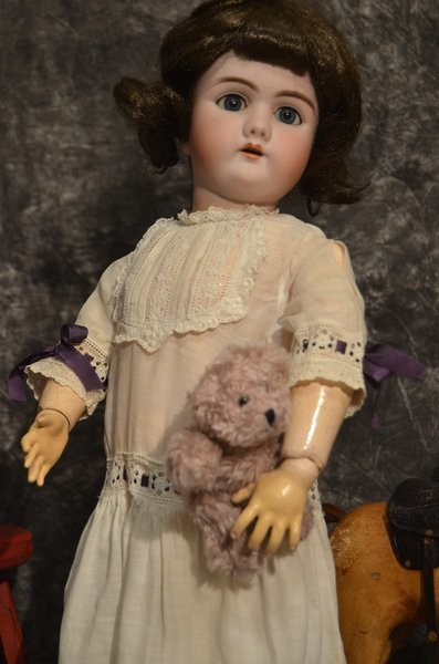 "DARLING 23"" ANTIQUE BISQUE HEAD DOLL ~ 109 ~ 12 ~ DEP - 2"