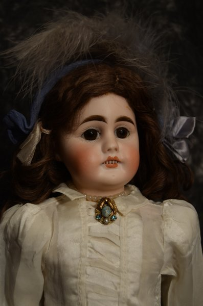 "CHARMING ANTIQUE BISQUE HEAD DOLL 17"" - 2"