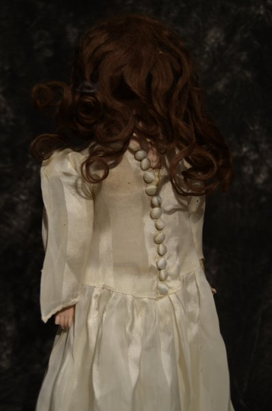 "CHARMING ANTIQUE BISQUE HEAD DOLL 17"" - 3"