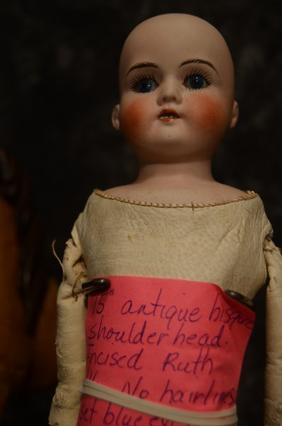 LOVELY ANTIQUE SHOULDERHEAD ~ RUTH ~ - 2