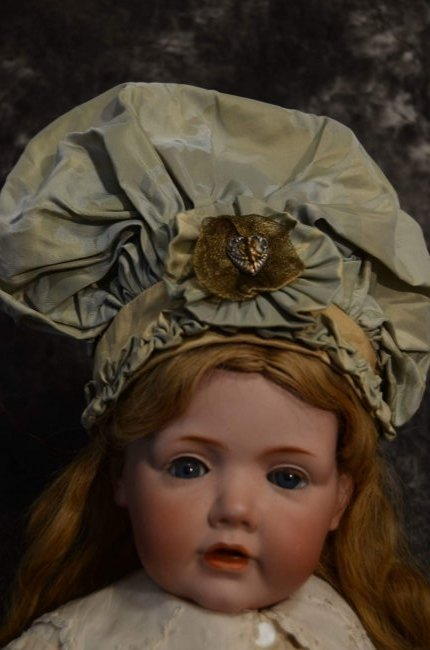 UNIQUE ANTIQUE STYLE DOLL HAT