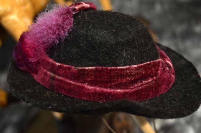 ANTIQUE STYLE FELT HAT FOR ANTIQUE DOLLS - 2