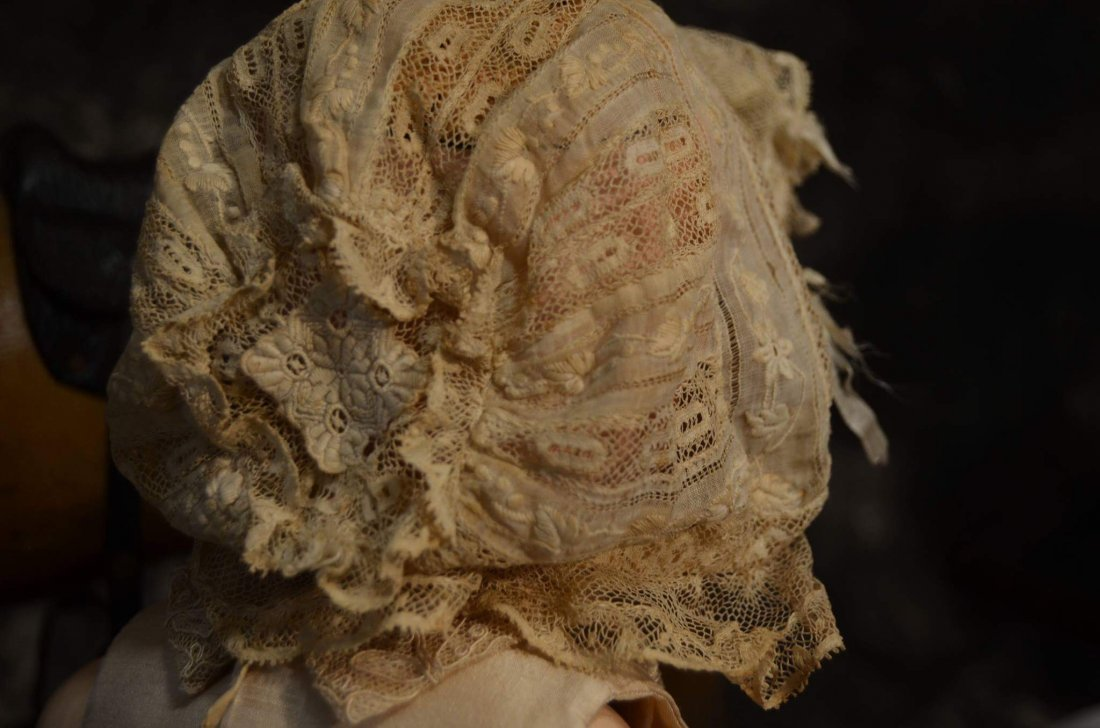 STUNNING ANTIQUE LACE BONNET FOR ANTIQUE DOLLS - 3