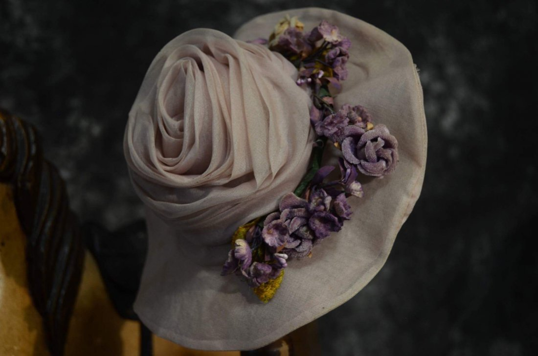 CLASSY ANTIQUE STYLE HAT FOR ANTIQUE DOLLS