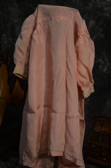 STUNNING ANTIQUE SILK COAT FOR ANTIQUE BISQUE DOLLS - 3