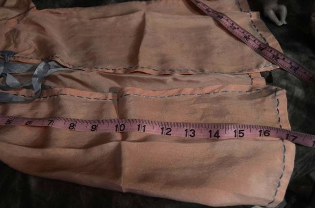 STUNNING ANTIQUE SILK COAT FOR ANTIQUE BISQUE DOLLS - 4