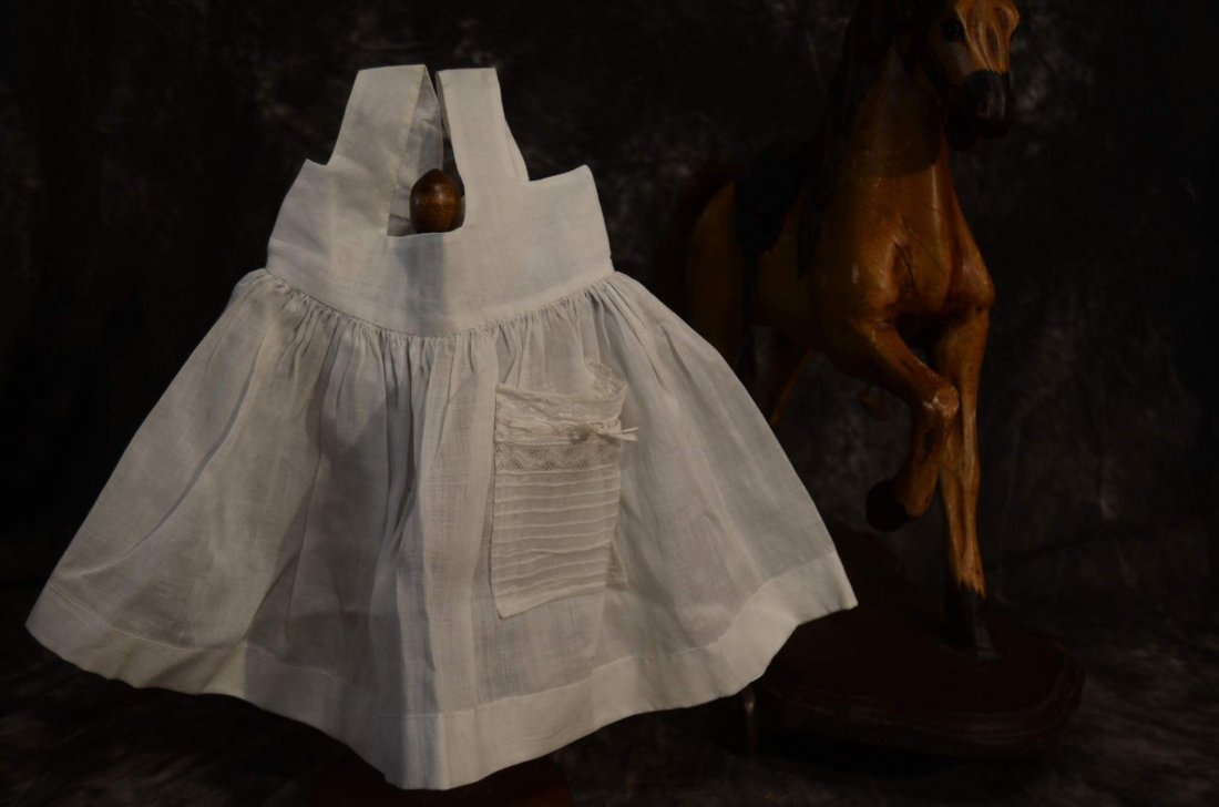 SWEET VINTAGE PINAFORE FOR ANTIQUE BISQUE