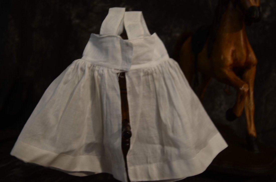 SWEET VINTAGE PINAFORE FOR ANTIQUE BISQUE - 2
