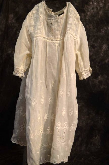 EMBROIDERED ANTIQUE COTTON GOWN FOR ANTIQUE DOLLS