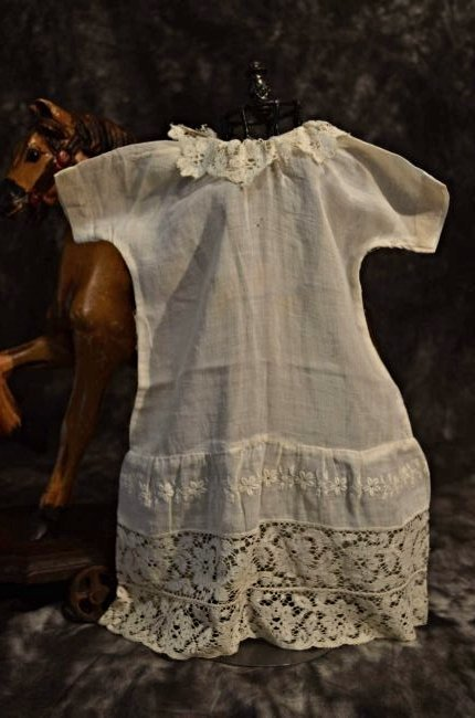 ANTIQUE COTTON CHEMISE w LACED BOTTOM