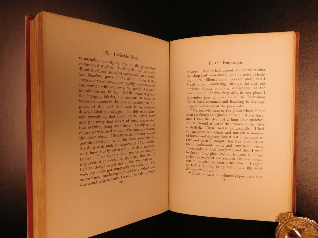 1897 HG Wells The Invisible Man Science Fiction Mystery - 9
