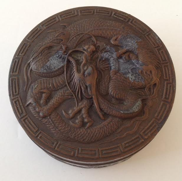 CAST IRON TRINKET BOX WITH A BRONZE STYLE COATING - 2