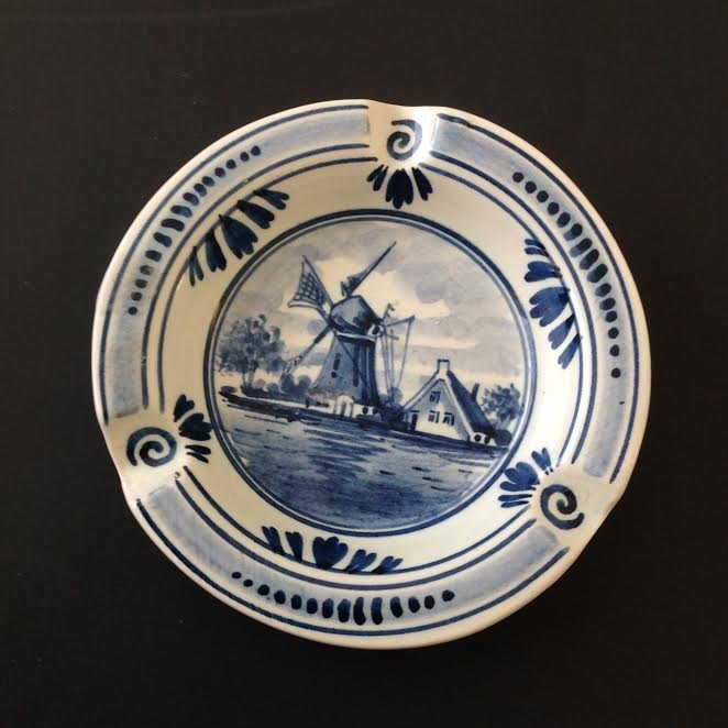 """Vintage Holland Delft Blue Ashtray – Hand painted 4.5"""""""
