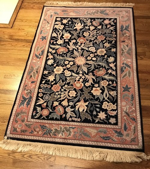VINTAGE ORIENTAL AREA RUG 72 X 46 (INCHES) 100% WOOL