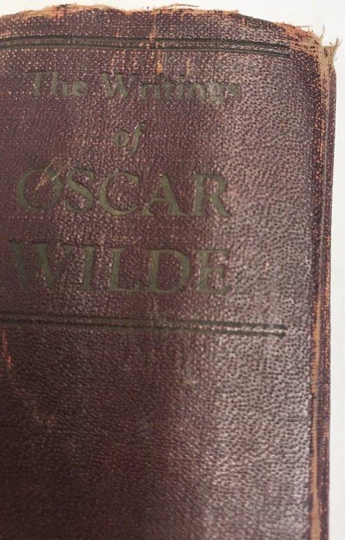 Oscar Wilde: The Writing of Oscar Wilde .