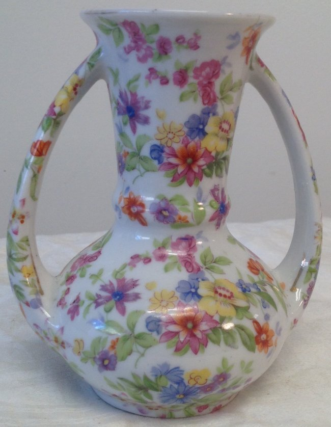 Twin Handle Olecastle Japanese Vase