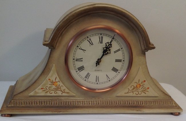 Thomas Pacconi White quartz Clock