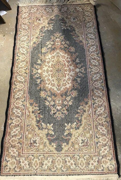 Persian Rug 100% Wool 47 x 23 - 4