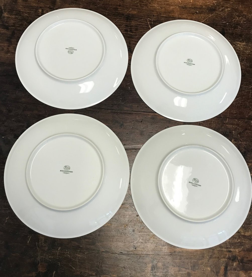4 White Hutschenreuther Lion embossed dinner plates - 2