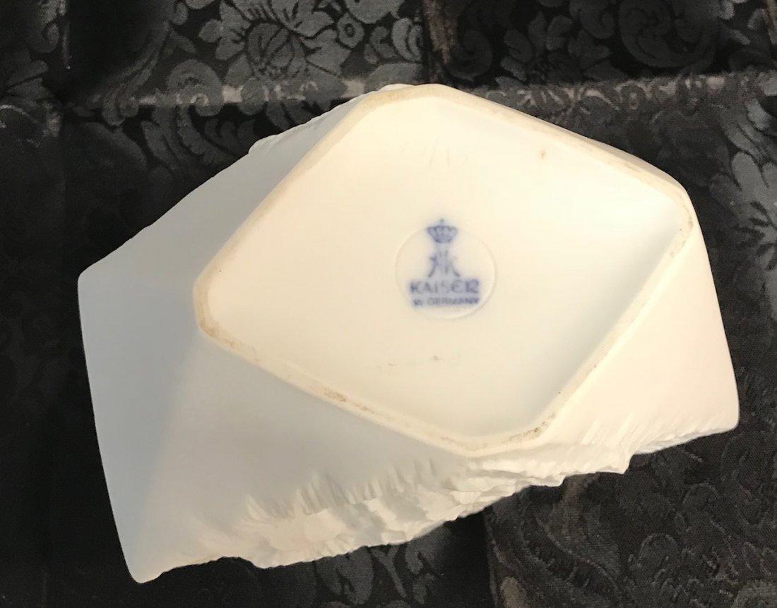 Kaiser Twisted Biscuit porcelain vase - 4