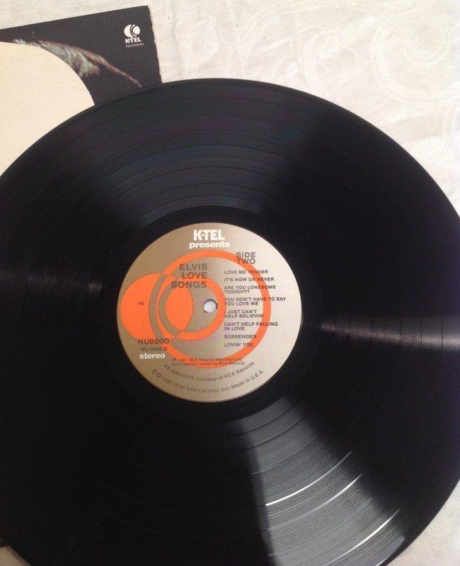 Elvis LOVE SONGS Original Hits Album - 4
