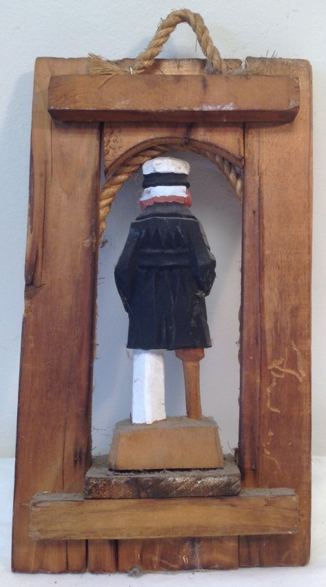 Pirate peg leg wall hanging figurine 10 x 6 - 2