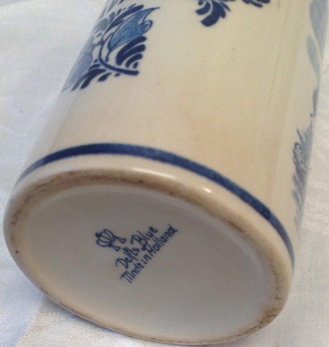 ASTA 1970 Avis Delft Milk Pitcher 5 In. Height - 3