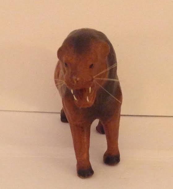 LEATHER HAND CRAFTED LOIN FIGURINE 13 X 6