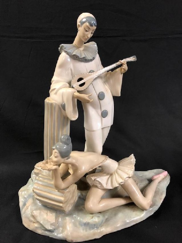 Lladro Porcelain Jester Playing Mandolin with Reclining