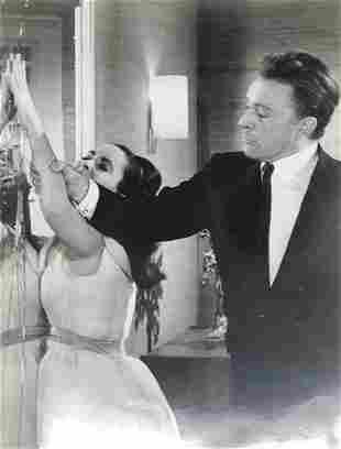 RICHARD BURTON/LIZ TAYLOR--THE VIPS-Vintage Movie Film