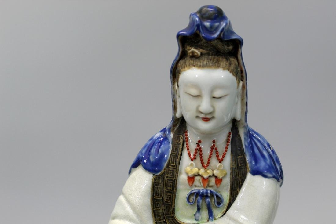Chinese famille rose porcelain Guanyin, 18th Century. - 2
