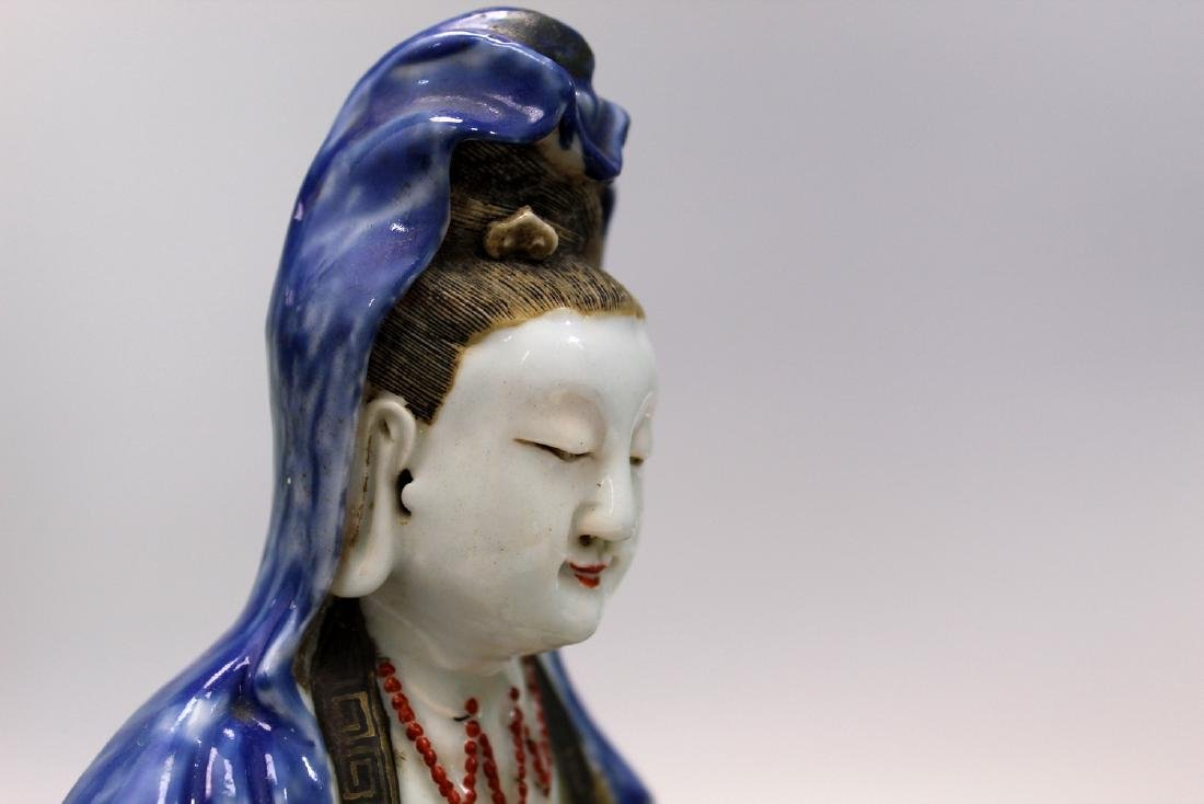 Chinese famille rose porcelain Guanyin, 18th Century. - 7