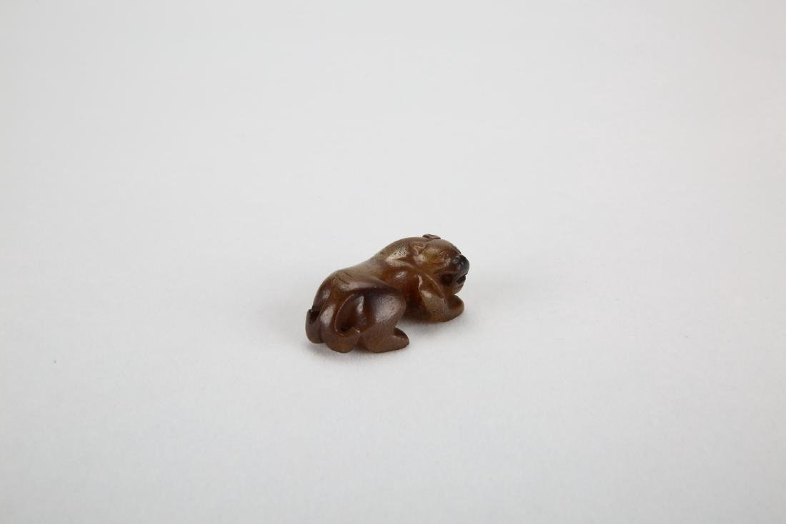 Chinese jade carving of a beast. - 2