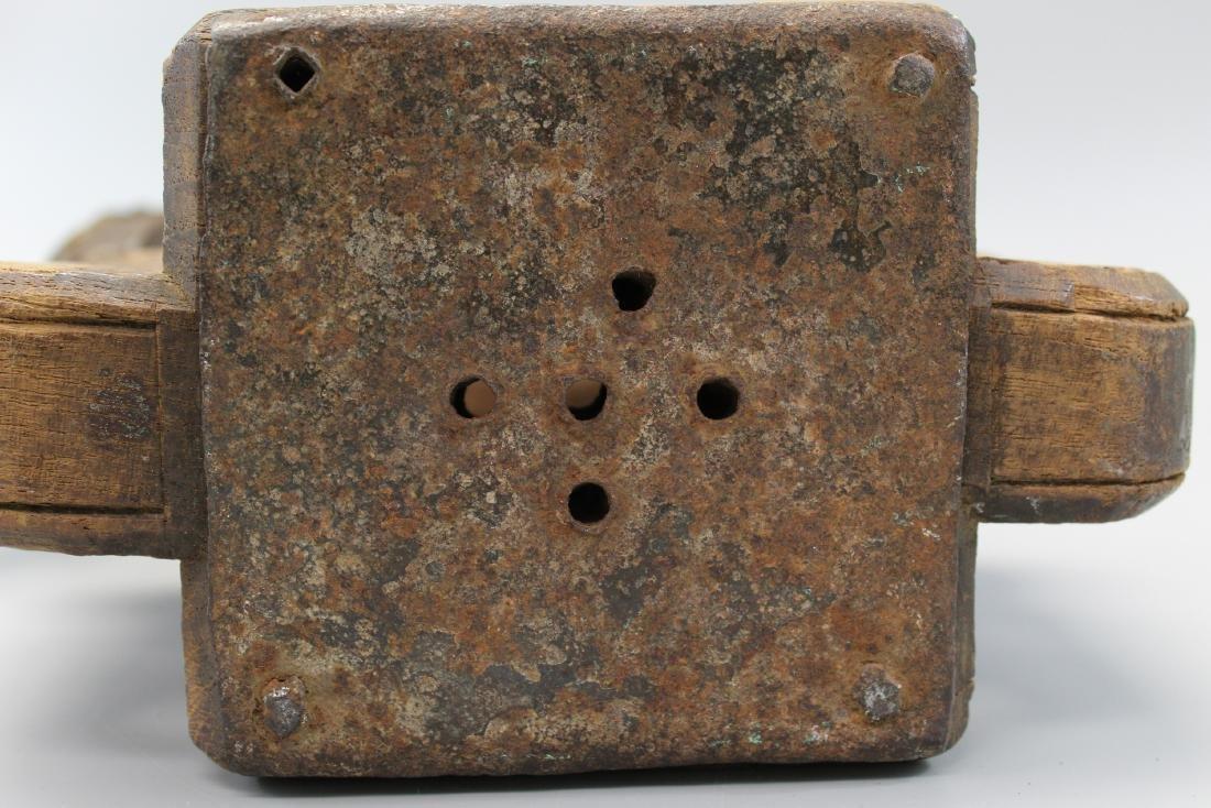 Antique Indian wood grinder or juicer. - 6