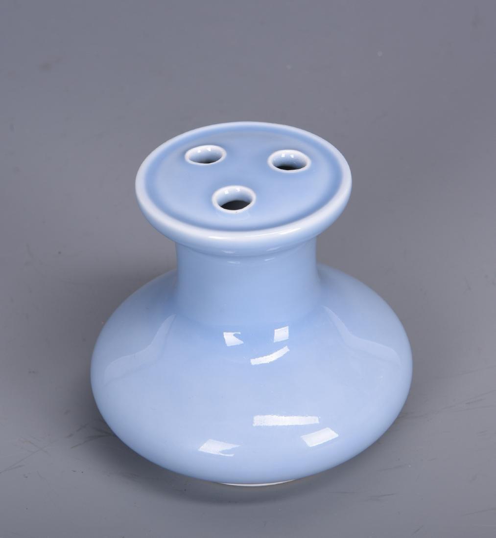 Chinese Clair de Lune porcelain vase, Qianlong mark. - 2