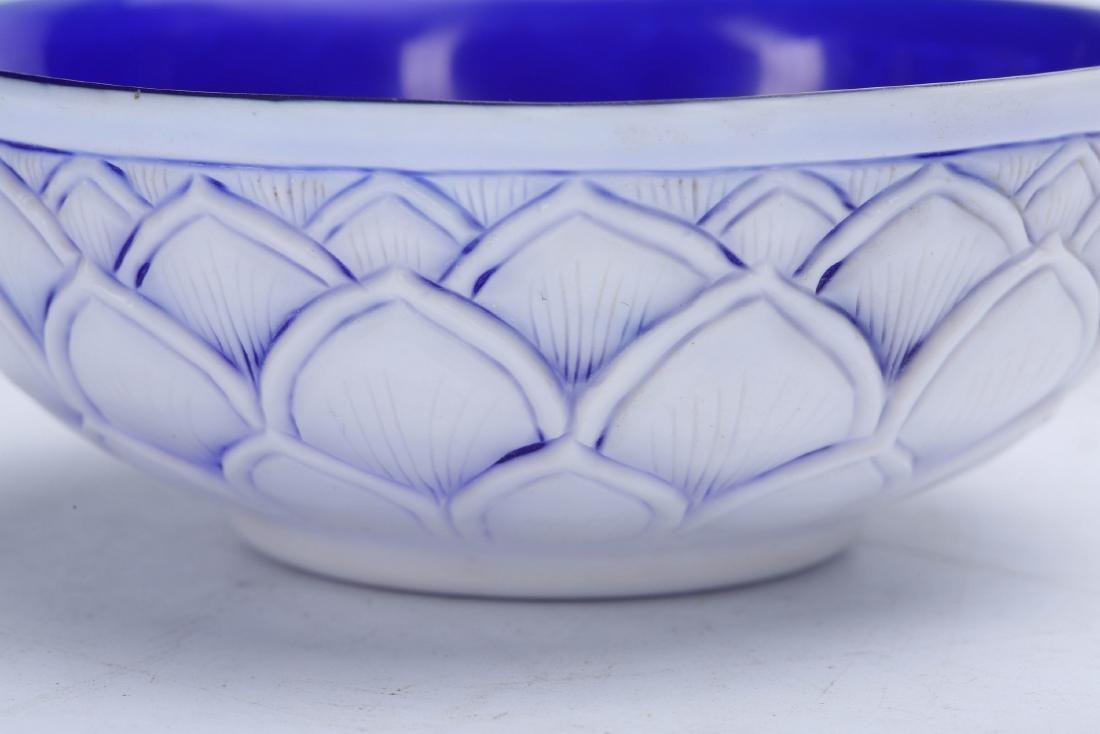 Chinese Peking glass bowl, Qianlong mark. - 5
