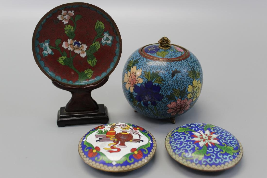 Group of four Chinese cloisonne items.