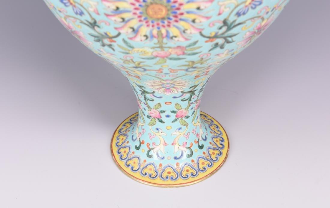 Chinese famille rose porcelain vase, Jiaqing mark. - 6