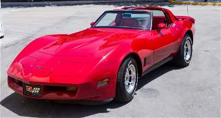 1981 CANDY APPLE RED CORVETTE