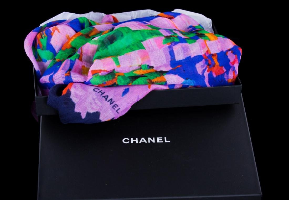 CHANEL NEW FROM NEIMAN MARCUS SCARF