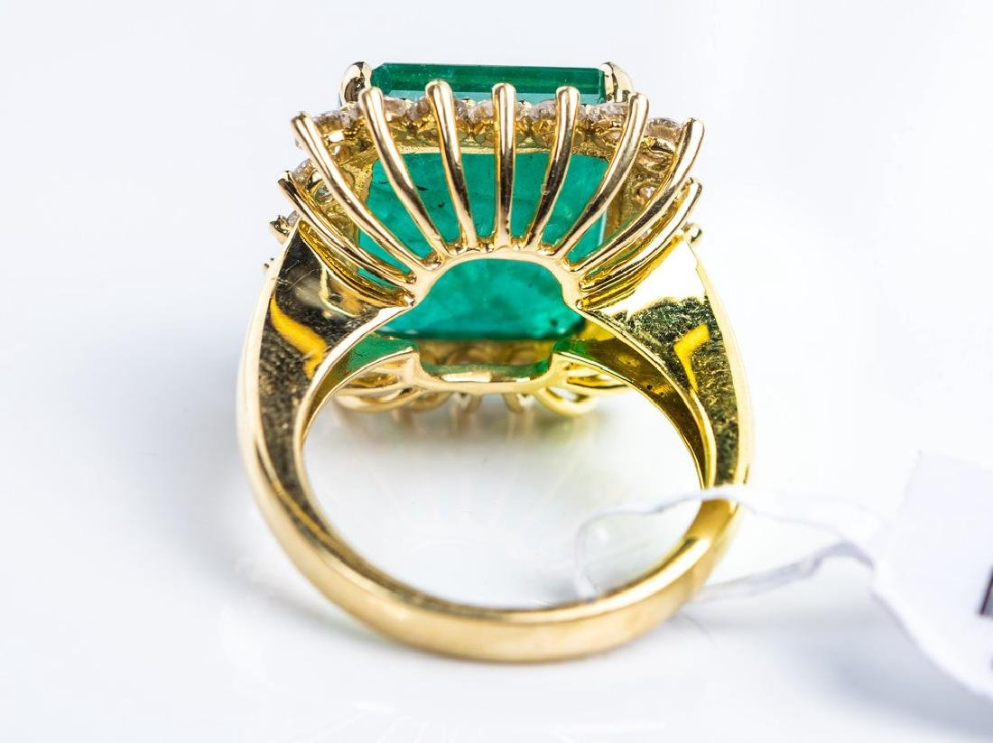 18KY EMERALD RING - 4