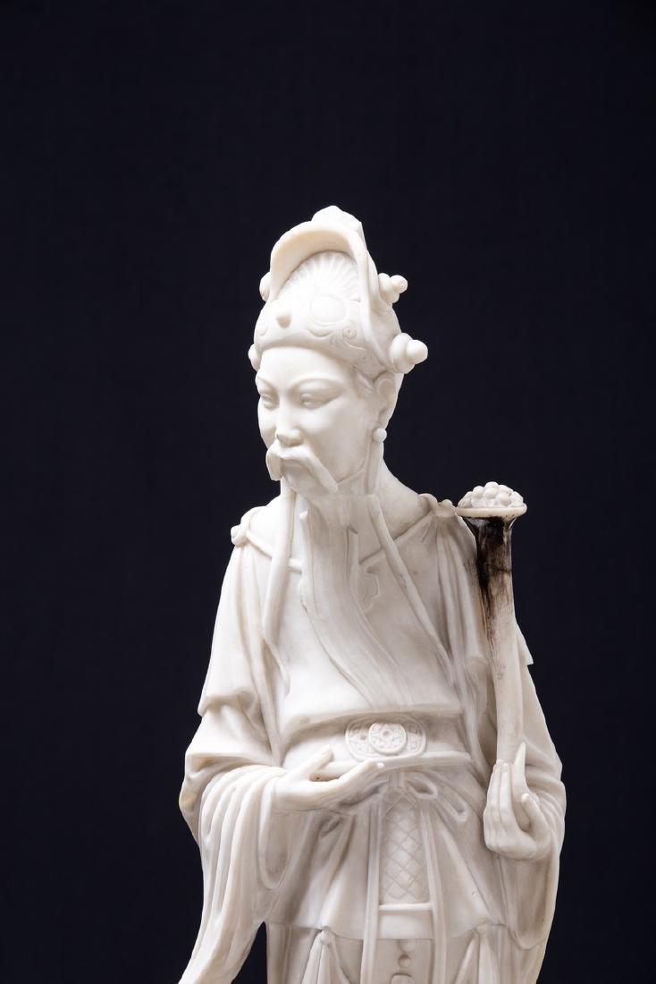 CHINESE ALABASTER FIGURE OF AN ELDER - 2