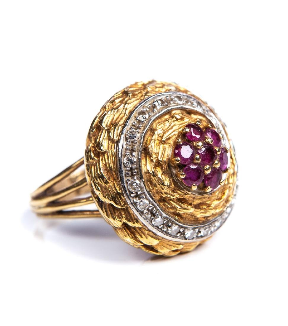 DIAMOND AND RUBY 18 KT YELLOW GOLD RING