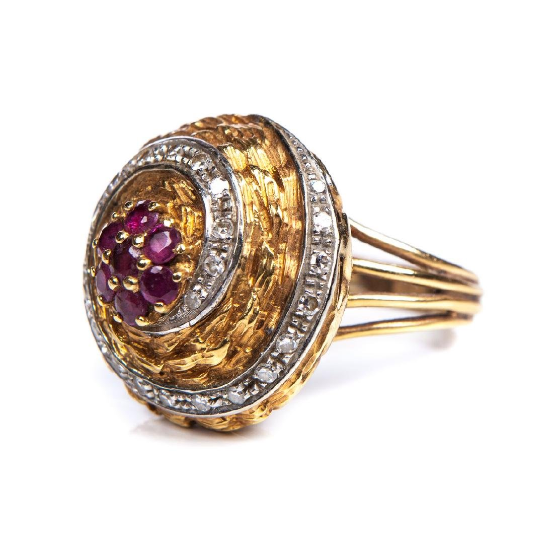 DIAMOND AND RUBY 18 KT YELLOW GOLD RING - 3