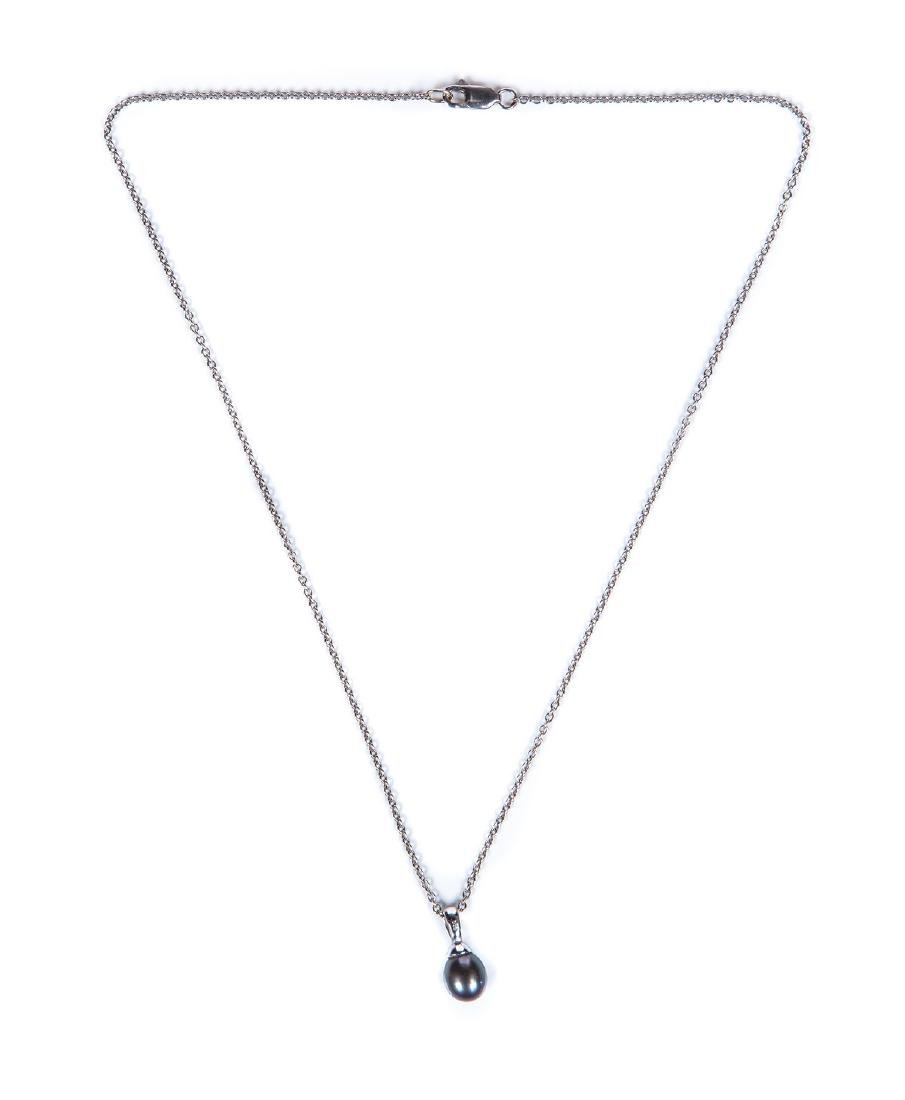 14 KT WG & GREY PEARL NECKLACE